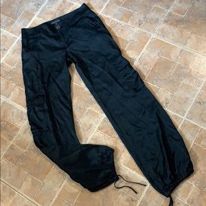 Banana Republic silk cargo pants size women's 4